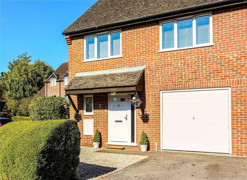 3 Bedrooms Semi Detached House for sale in Crawford Place, Newbury, Berkshire, RG14