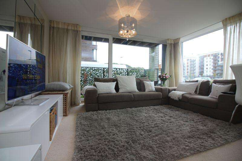 2 Bedrooms Apartment Flat for sale in Newfoundland Way, Portishead