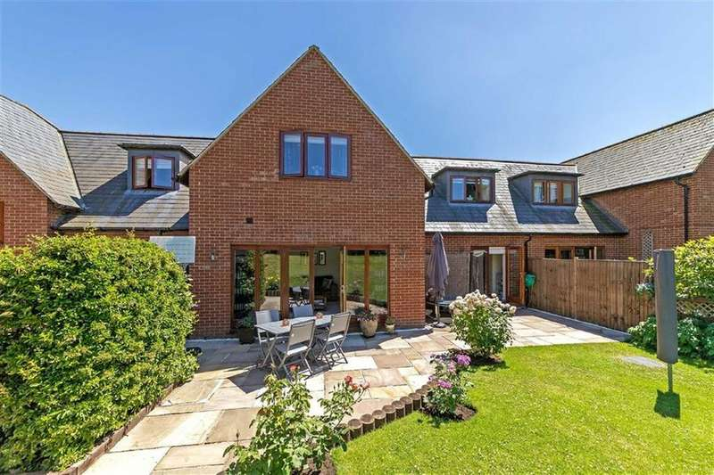 3 Bedrooms Semi Detached House for sale in Rookery Close, Walkern, Hertfordshire, SG2