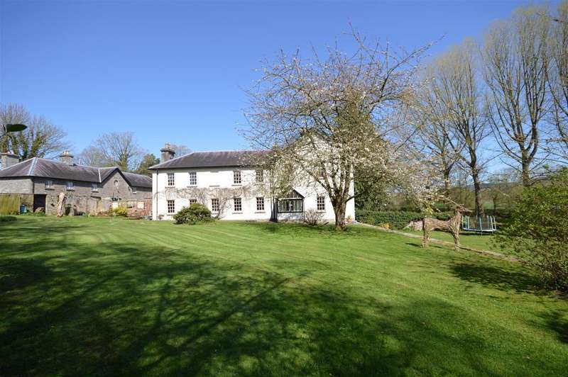 5 Bedrooms Detached House for sale in Glasbury on Wye, Powys