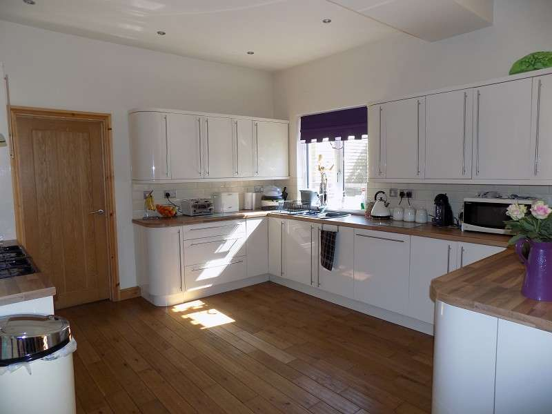 4 Bedrooms Semi Detached House for sale in Penycae Road, Penycae, Port Talbot, Neath Port Talbot. SA13 2EL