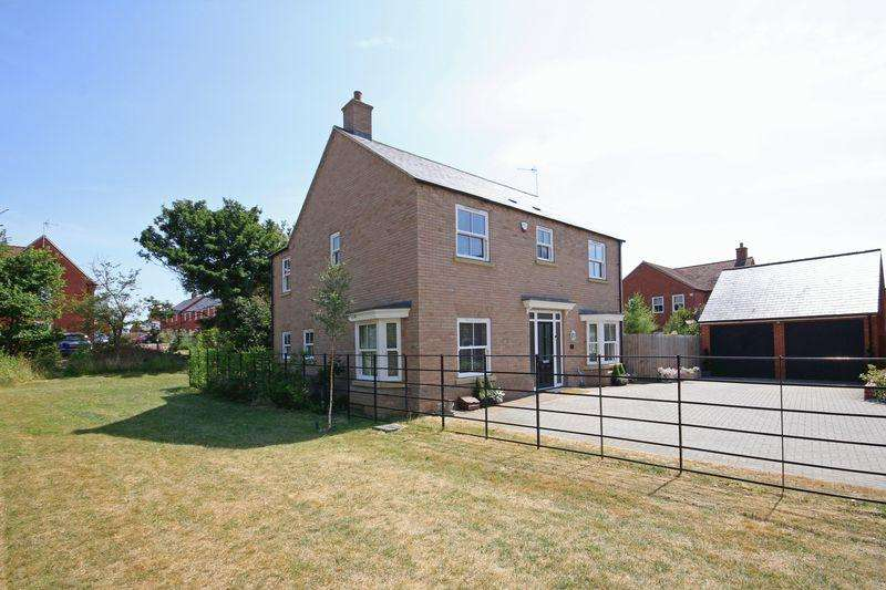 4 Bedrooms Detached House for sale in Pillow Way, Buckingham