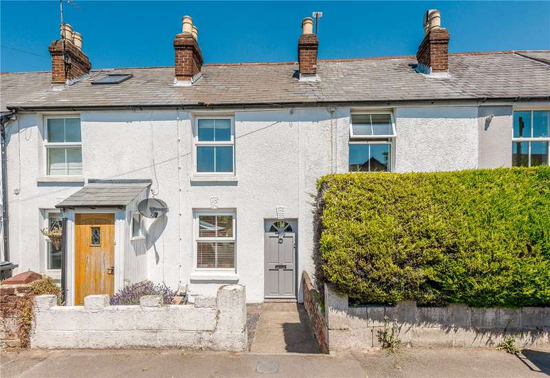 3 Bedrooms Terraced House for sale in Alresford Road, Winchester, Hampshire, SO23