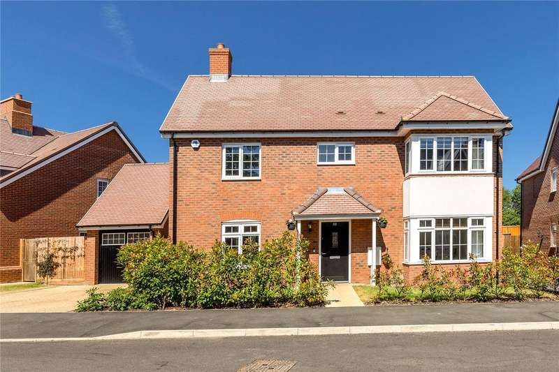 4 Bedrooms Detached House for sale in Elizabeth II Avenue, Berkhamsted, Hertfordshire, HP4