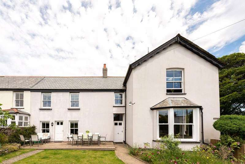 6 Bedrooms End Of Terrace House for sale in Roughtor Road, Tregoodwell, Camelford, Cornwall