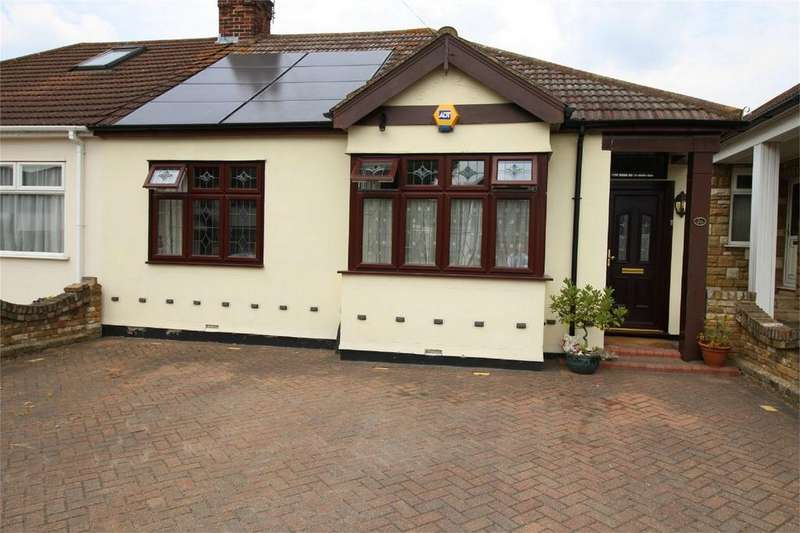 3 Bedrooms Semi Detached Bungalow for sale in Gordon Avenue, Hornchurch, Essex