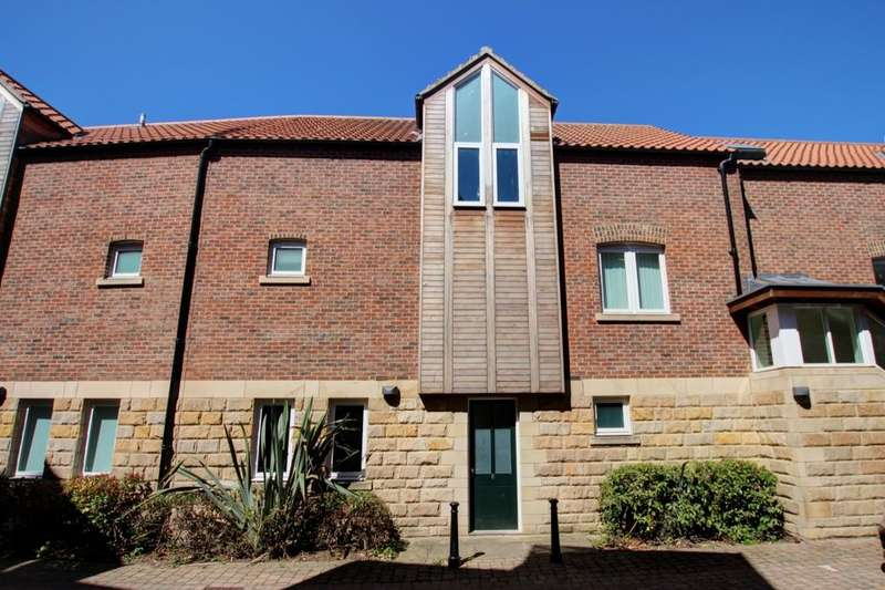 2 Bedrooms Flat for sale in Back Silver Street, Durham, DH1
