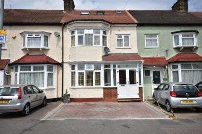 6 Bedrooms Terraced House for sale in Ilford