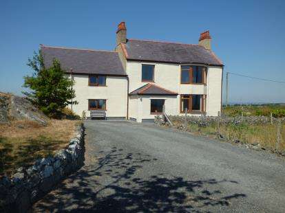 3 Bedrooms Detached House for sale in Newborough, Anglesey, Sir Ynys Mon, North Wales, LL61