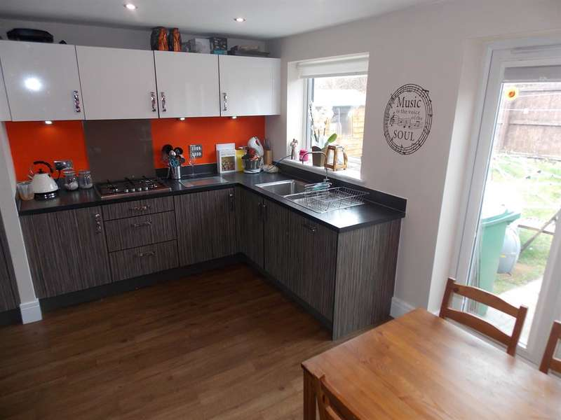 3 Bedrooms Semi Detached House for sale in Pottery Wharf, Thornaby, Stockton-on-Tees, TS17 6DT