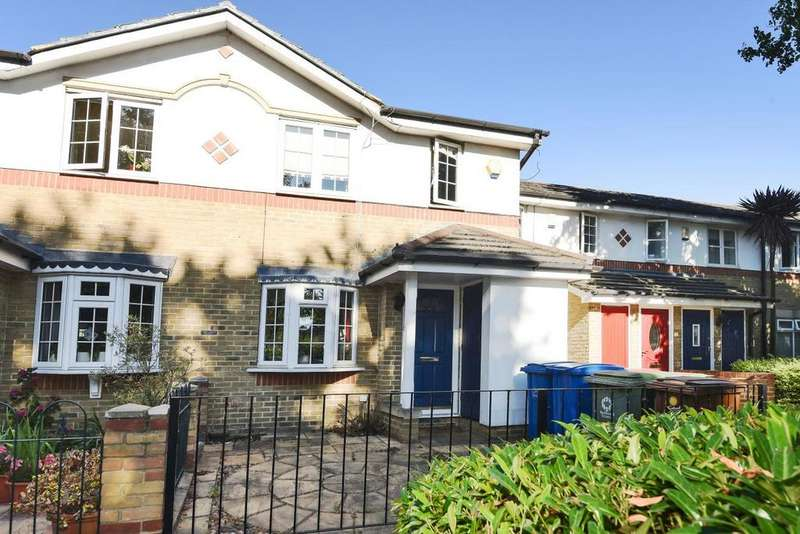 3 Bedrooms Terraced House for sale in Culloden Close, Bermondsey