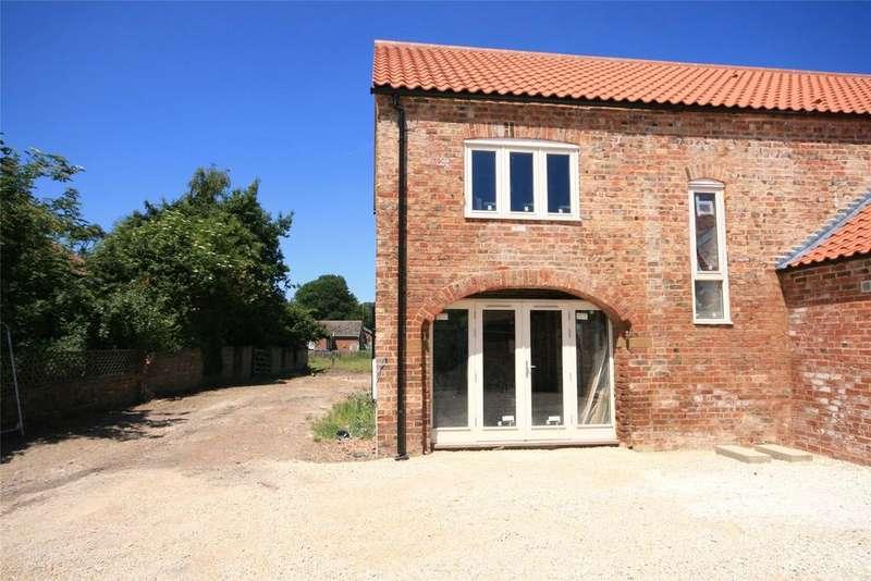 3 Bedrooms Semi Detached House for sale in Barley Sheaf Court, Holland Fen, LN4