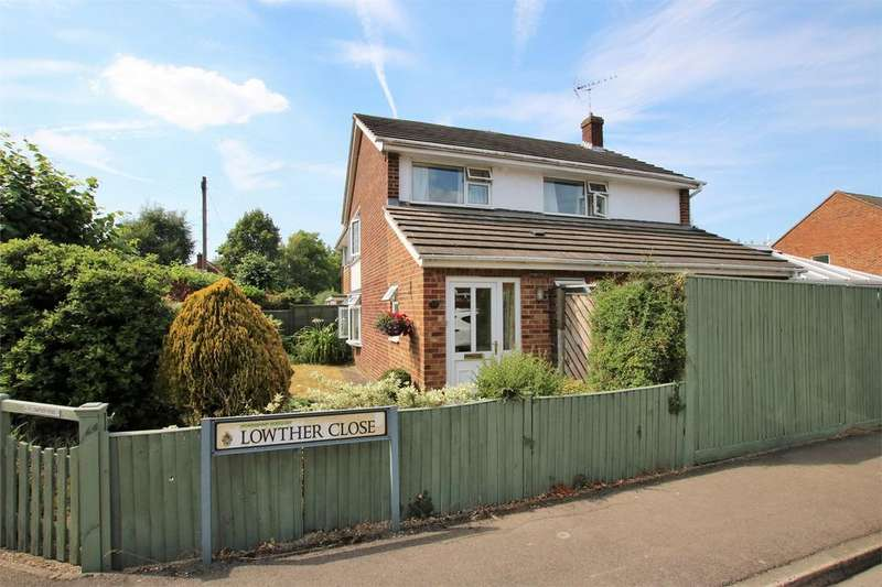 3 Bedrooms Semi Detached House for sale in Lowther Road, WOKINGHAM, Berkshire