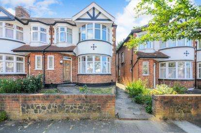 4 Bedrooms End Of Terrace House for sale in Brendon Way, Enfield, London