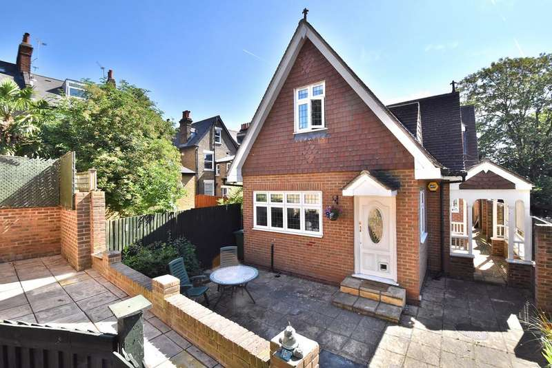 3 Bedrooms Detached House for sale in Edward's Way SE4