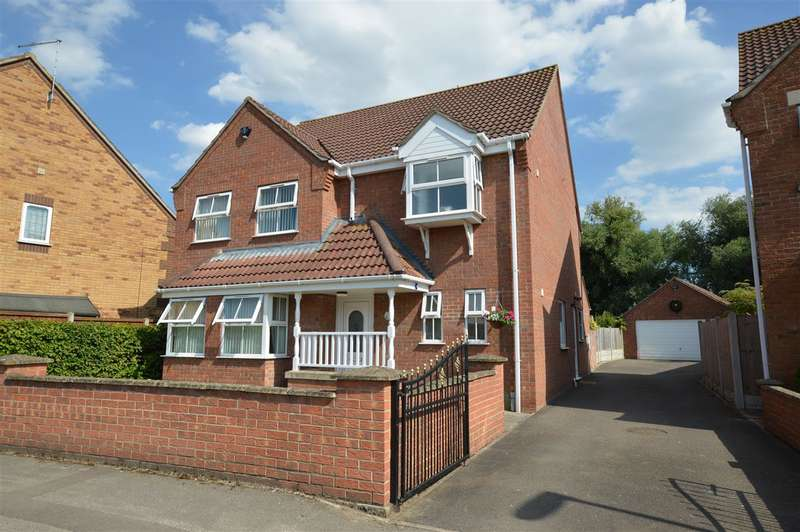 4 Bedrooms Detached House for sale in Poplar Close, Ruskington