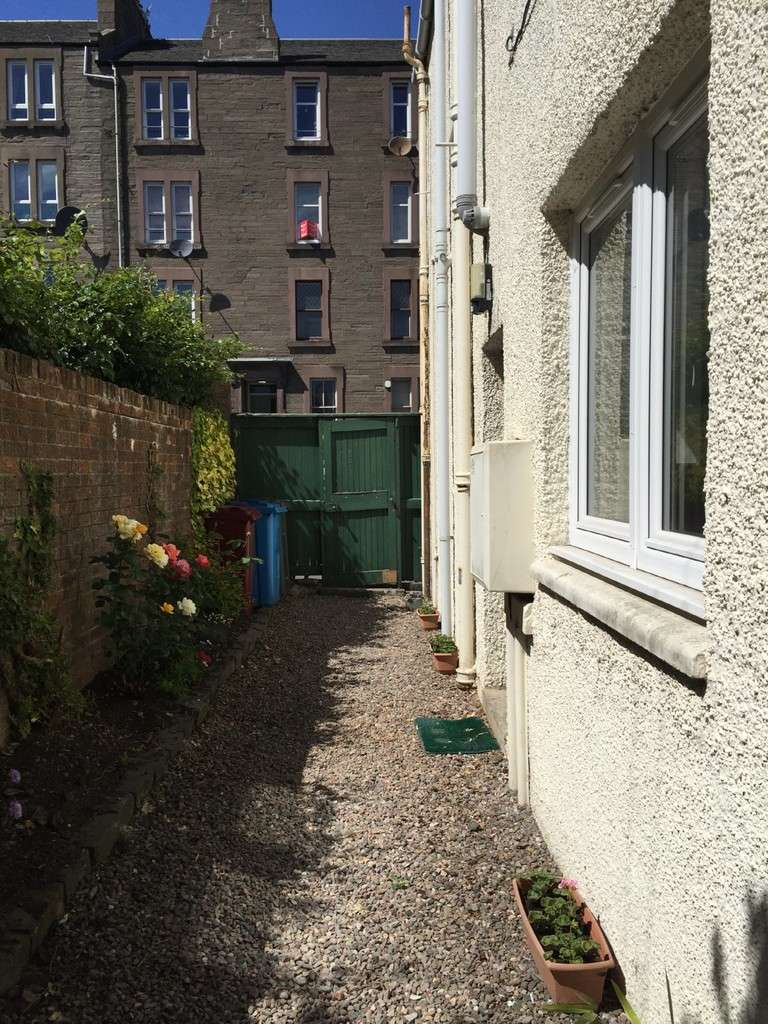 1 Bedroom Flat for sale in Cleghorn Street, Dundee DD2