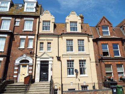 8 Bedrooms Terraced House for sale in Cromer, Norwich, Norfolk