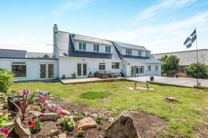 7 Bedrooms Bungalow for sale in Ashton, Helston, Cornwall