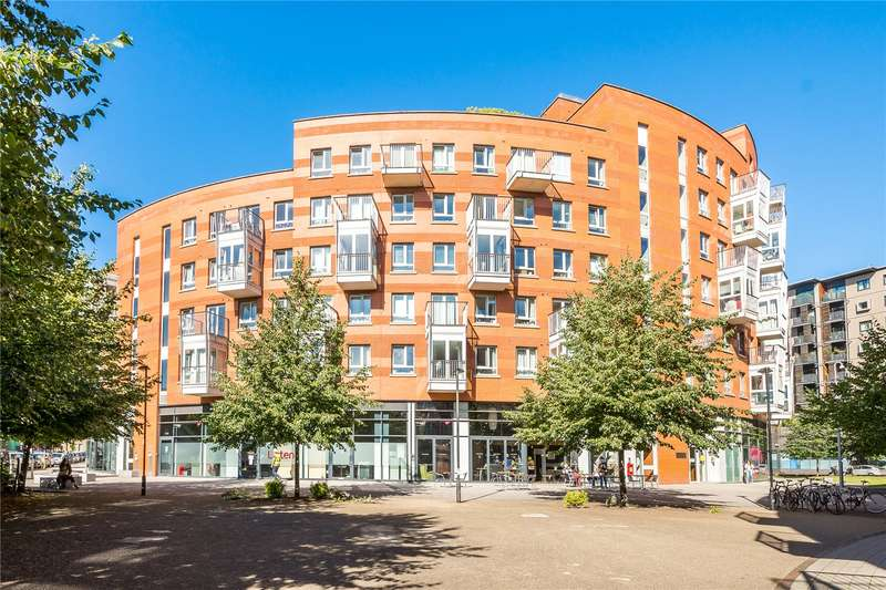 2 Bedrooms Flat for sale in Carronade Court, Eden Grove, London, N7