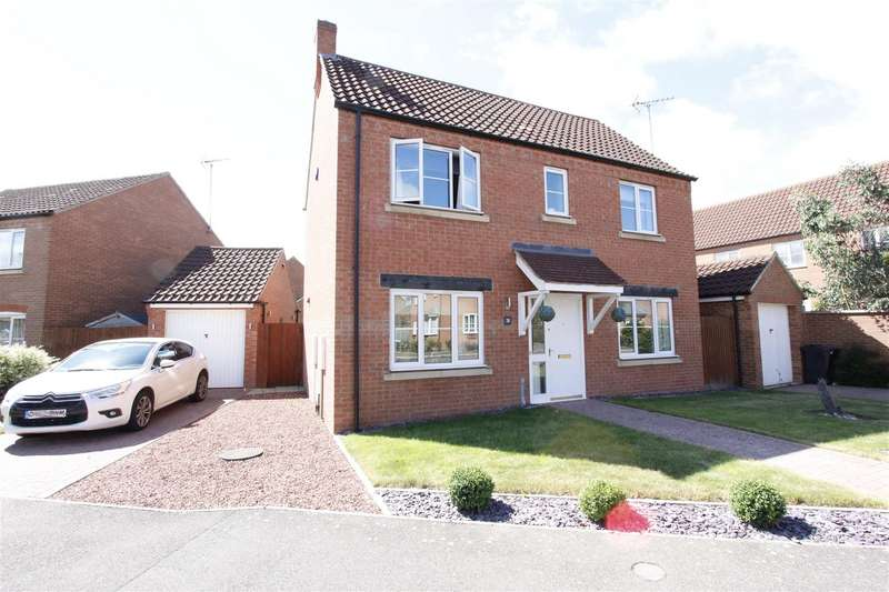 3 Bedrooms Property for sale in Buttercup Drive, Bourne