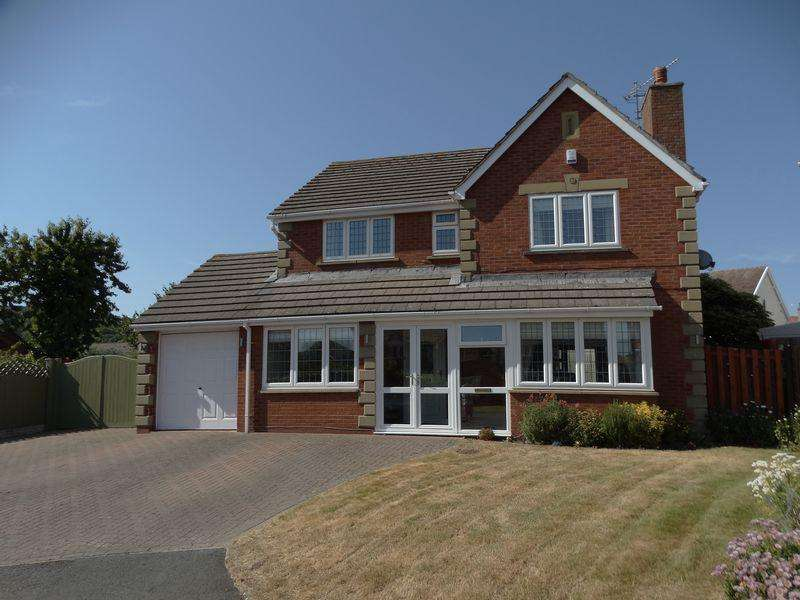 4 Bedrooms Detached House for sale in Charleston Close, Penrhyn Bay