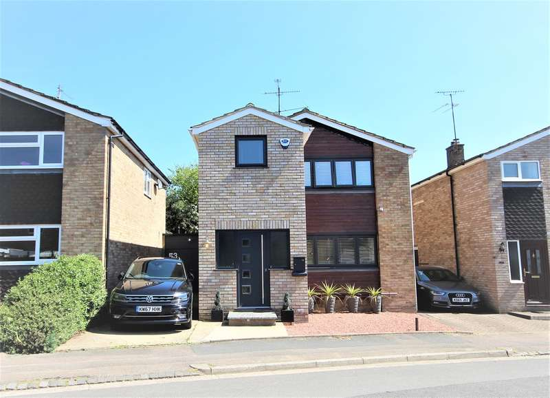 3 Bedrooms Link Detached House for sale in Russell Drive, Ampthill, Bedfordshire, MK45