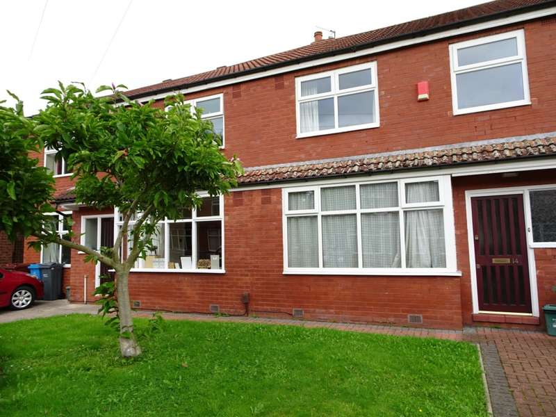 3 Bedrooms Terraced House for rent in Aldwych Avenue, Manchester, M14
