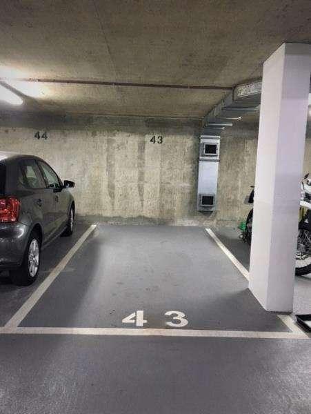 Parking Garage / Parking for sale in Parking Space Earls Terrace, London, W8