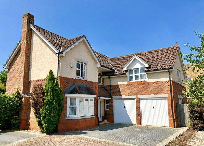 5 Bedrooms Detached House for sale in Barnock Close, Crayford