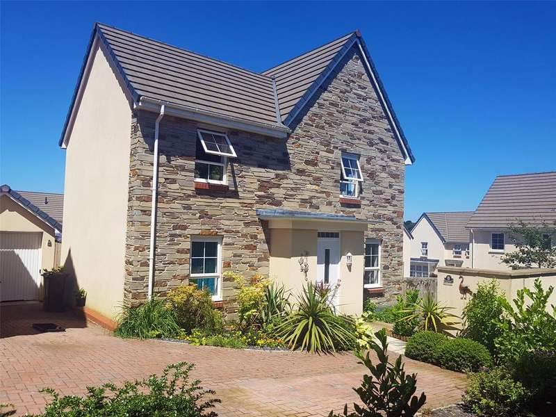 4 Bedrooms Detached House for sale in Charnley Drive, Bodmin