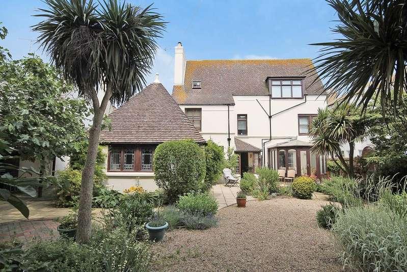 4 Bedrooms Detached House for sale in Warren Lodge, Western Row, Worthing, West Sussex BN11 3LU