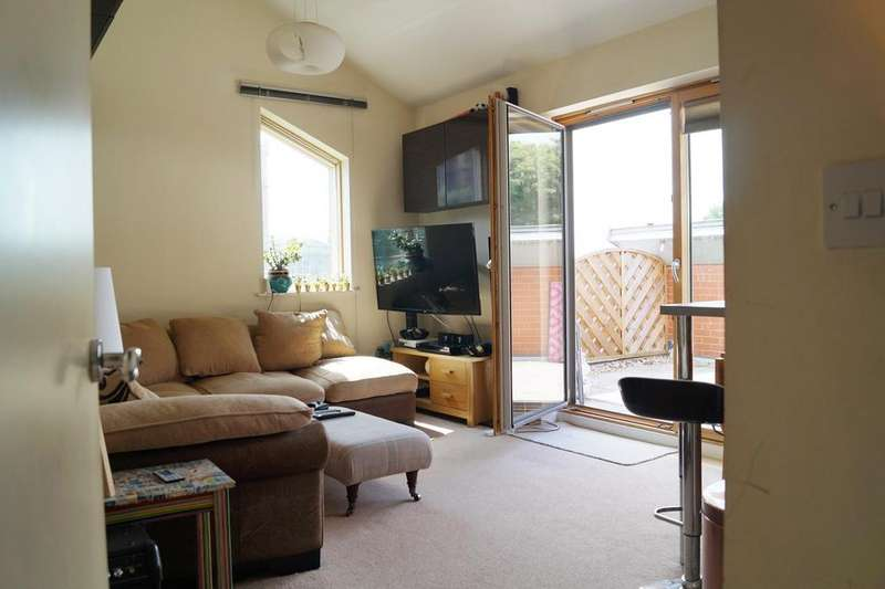 2 Bedrooms Apartment Flat for sale in Burton Court, Clifton, Bristol, BS8