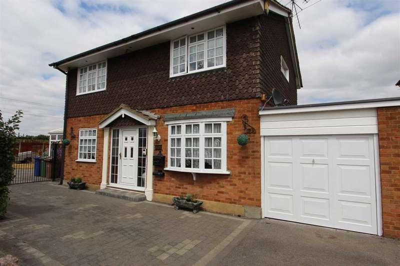 3 Bedrooms Detached House for sale in Branksome Close, Stanford-Le-Hope