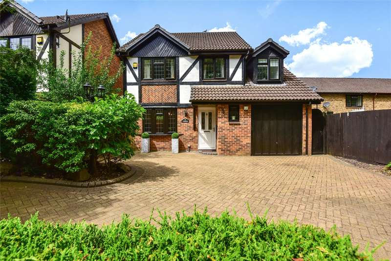 4 Bedrooms Detached House for sale in Old Monteagle Lane, Yateley, Hampshire, GU46