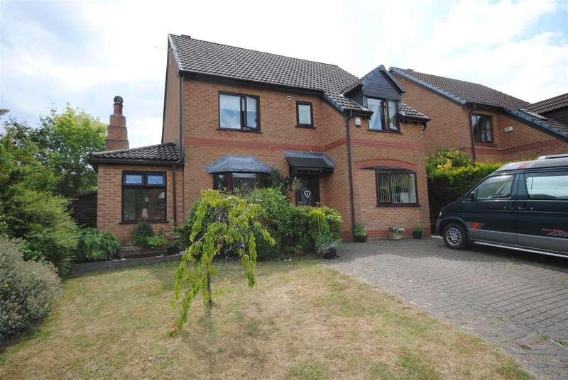 4 Bedrooms Detached House for sale in Cranborne Close, Standish, Wigan