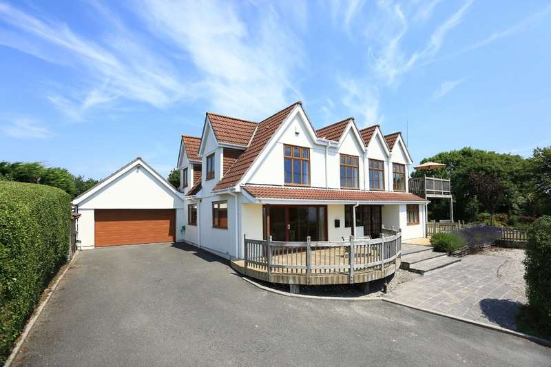 5 Bedrooms Detached House for sale in Wembury Point, Plymouth