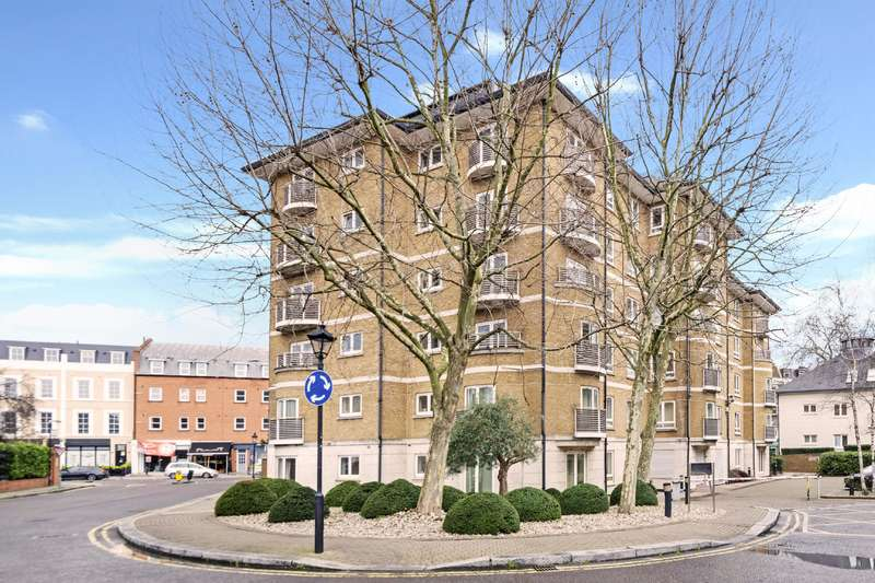 1 Bedroom Flat for sale in Swallow Court, Admiral Walk