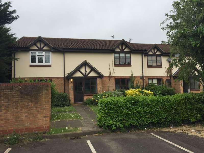 2 Bedrooms Flat for sale in 29 Peel Court, Slough, SL1