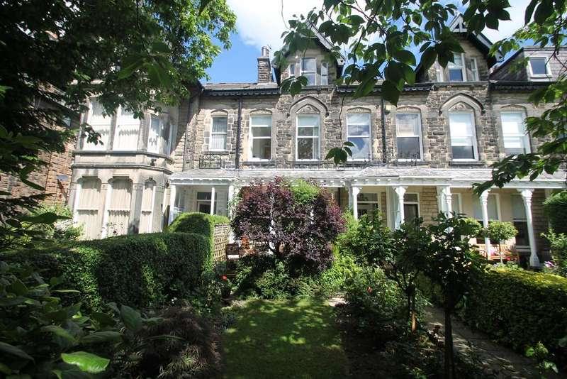 5 Bedrooms Town House for sale in Lancaster Road, Harrogate HG2