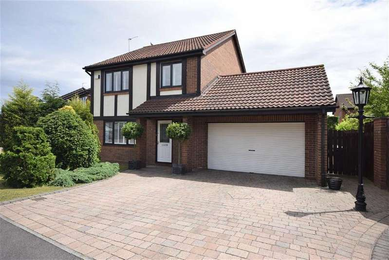 3 Bedrooms Detached House for sale in Fareham Grove, Boldon