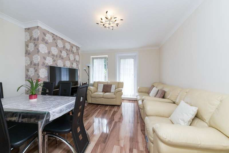 3 Bedrooms Ground Flat for sale in Burns House, Cornwall Avenue, London E2