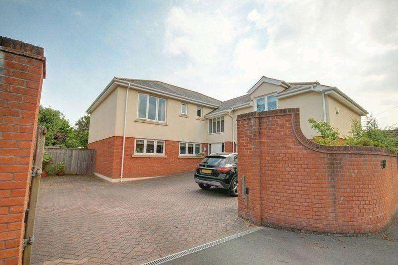 5 Bedrooms Detached House for sale in Exton Lane, Exeter