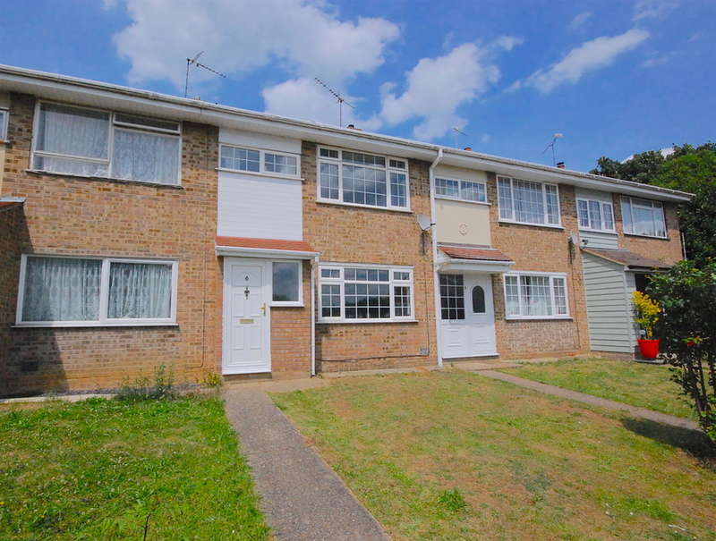 3 Bedrooms Terraced House for sale in Makemores, Rayne, Braintree, CM77