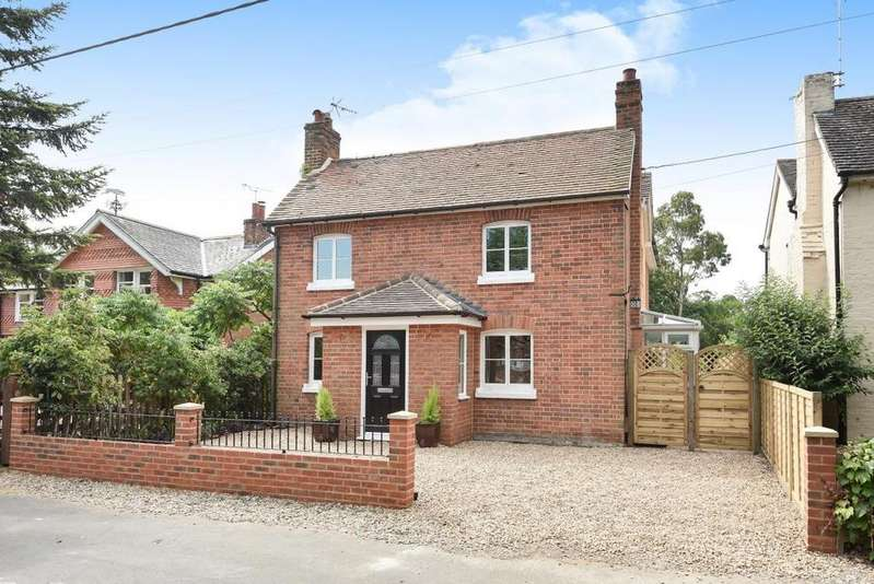 4 Bedrooms Detached House for sale in Windmill Road, Mortimer, RG7