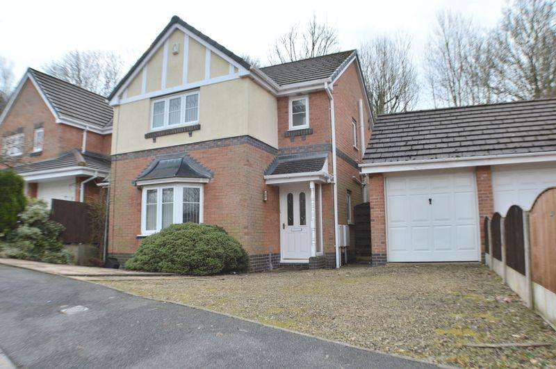 3 Bedrooms Detached House for sale in Westwood Avenue, Hyde