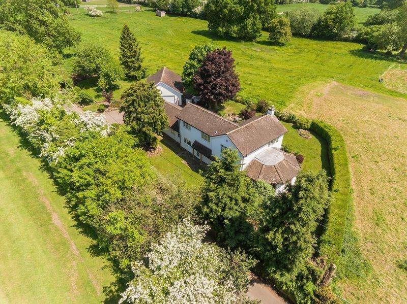 4 Bedrooms Detached House for sale in Horsebrook Lane, Brewood, Stafford