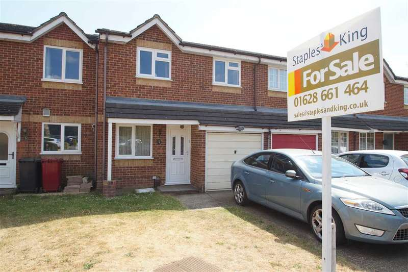 3 Bedrooms Terraced House for sale in Lowestoft Drive, Burnham Gate, Cippenham