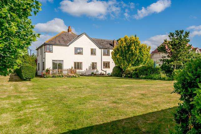 6 Bedrooms Detached House for sale in Maldon Road, Colchester, Essex, CO5 0QA