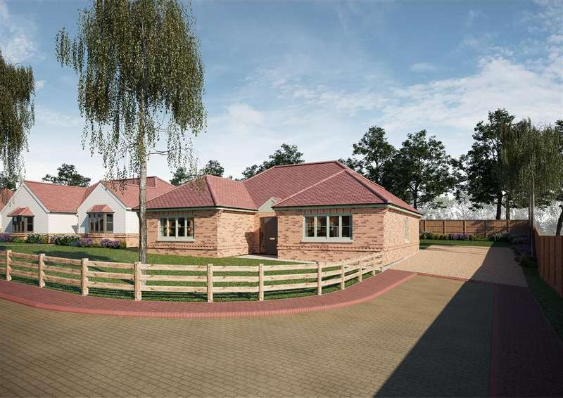 3 Bedrooms Bungalow for sale in Stoney Hills, Burnham-On-Crouch